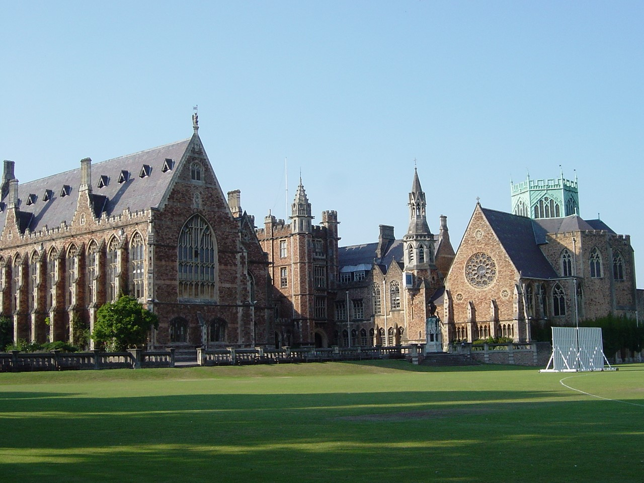 Bristol Language Centre offers new Summer Programme at Clifton College