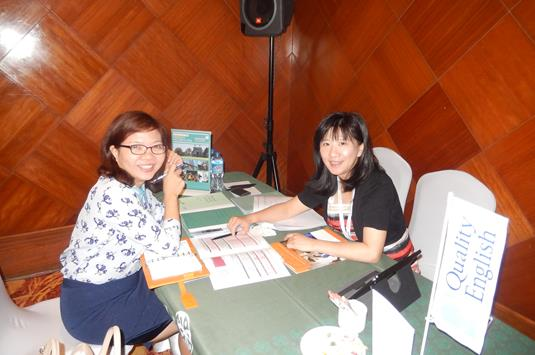 Cari Yu of Emerald Cultural Institute with Vu Thi Kim of Atlantic International