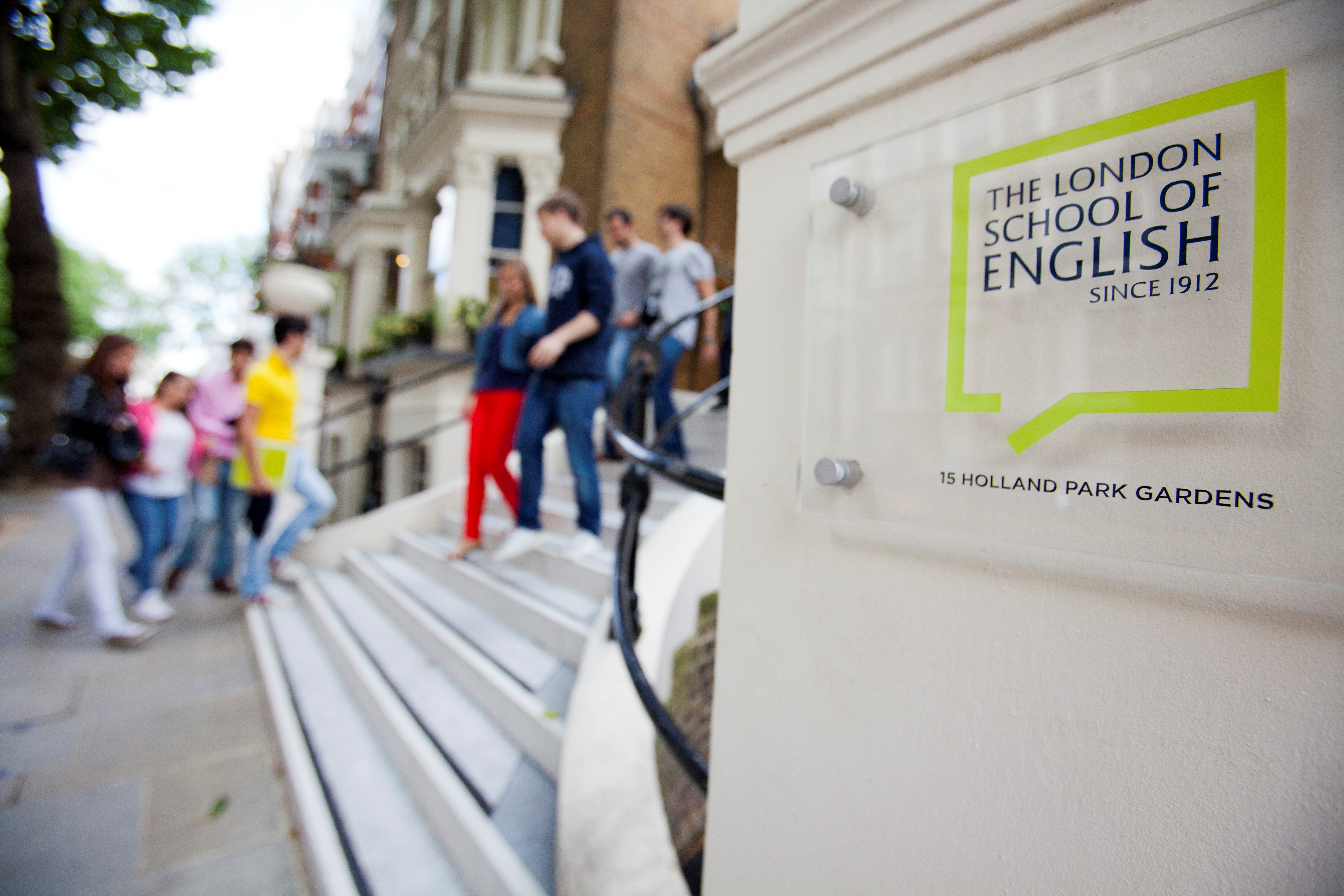 How The London School of English uses company reviews to turn clients into brand advocates