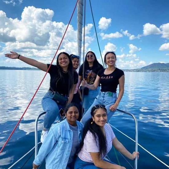 Students at ITC explore New Zealand on a Famil trip
